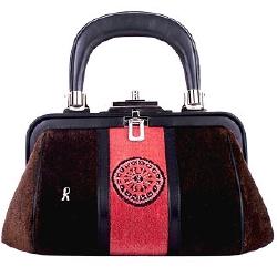 """E una borsa in velluto soprarizzo non è esattamente il tipo di oggetto che  vorrei di """"seconda mano"""". 7b8500bdd59"""
