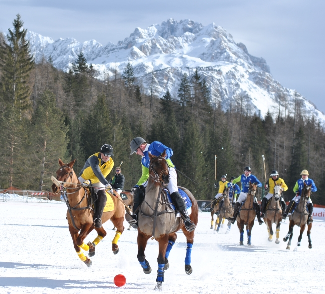 Cortina Polo Gold Cup 01