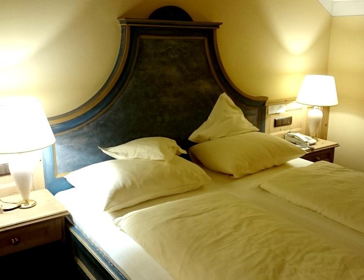 Engel_hotel_02