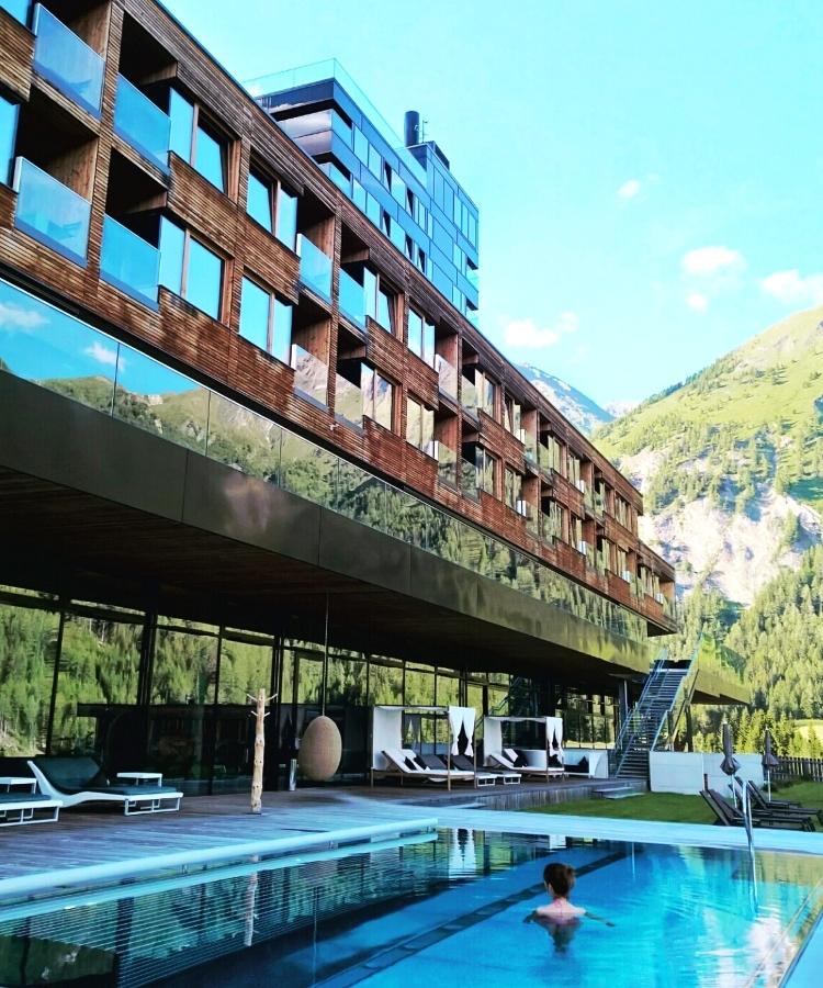 Gradonna_mountain_resort_01
