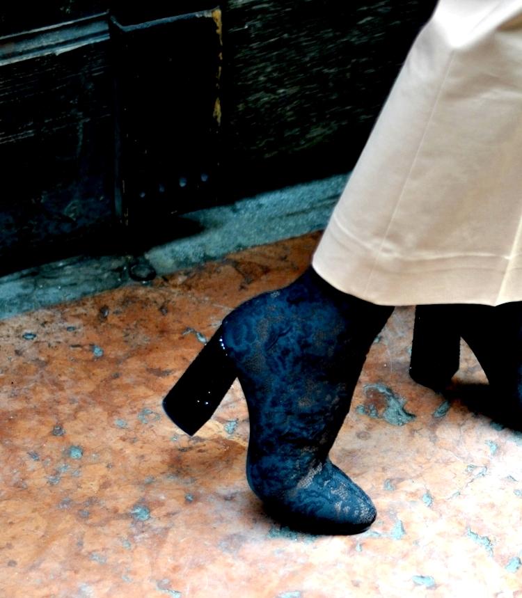 03_le_babe_shoes_shrimps_coat_outfit